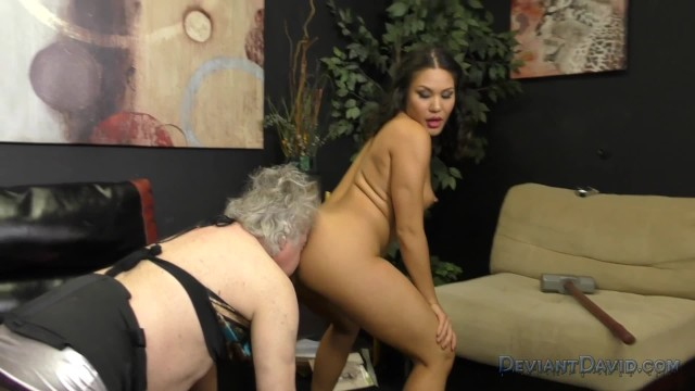 Mena Mason Turns HandyMan into her Sissy Asslicker / Ass Worship