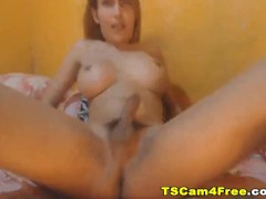 Amateur Hot Tranny Plays her Dick