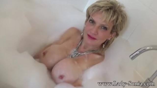 Ypu porn lady sonia pantyhose Sonia wants you to cum on her tits while she takes a bath