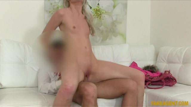 English Babe exposes her amazing body and gets pussy fucked in casting 18