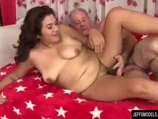 Hairy pussied chubby girl takes fat dick