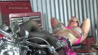 BlackWidow Lotion playing porno