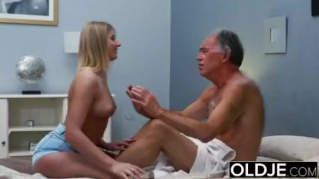 Old porno dos rubias y un viejo Rubia Teen Fucked Por Peludo Viejo A Ella Le Encanta Tener Sexo Blowjobs Y Pornhub Com