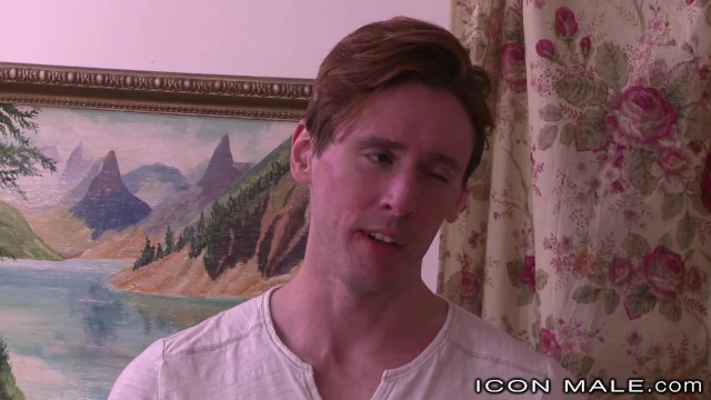 Streaming Gratis Video Nikita Mirzani IconMale Daddy Gets Hard from Twinks Advances