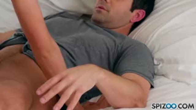 Download Gratis Video  Watch Sophia Grace sucking and fucking her landlord like a dirty whore
