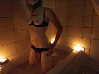Sarina's Sensual Smoky Edging Bath Time