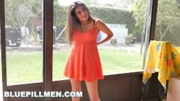 BLUEPILLMEN - Chillin with hot tamale, teen Jeleana Marie! (bpm14861)