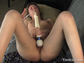 Yanks MILF Shay Fucks Her Hitachi
