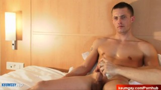 A str innocent serviced big guy cock by guy his cleman str8 big