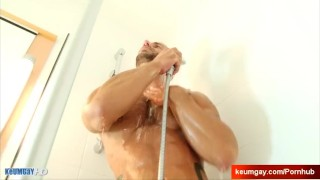 A serviced guy big ayeric his gym guy by cock dick wank