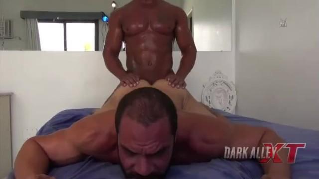 Average gay men chat room Carlos thiago e romero