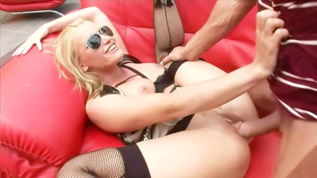 Free porn talon eguille - High heels and glasses 3 - scene 3