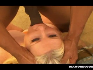 See Zoey Andrews getting fucked at DIAMONDLOUXXX.COM