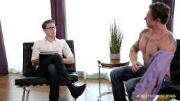 NextDoorBuddies Markie More Bends Over for Therapist