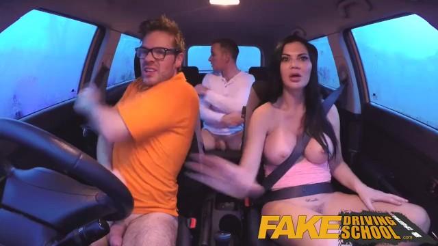 Milf Fake Titten Creampie