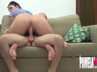 Preview 4 of Pamela sanchez cachonda quiere sexo con su novio jugando a la video consola