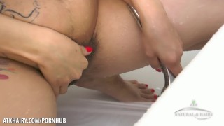 Dirty Hairy Lexie Cleans her Muff