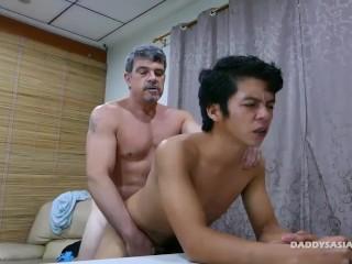 Daddy and Asian Twink Fucking Bareback