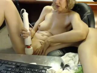 Jamie Foster Cums on Cam