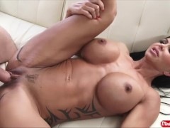 Big tits MILF Jewels Jade sucks and fucks a big dick to get a real creampie