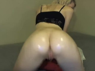 Oiling Ass and Playing With Pussy On Live Cam