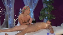 Hot masseuse Cayla Lyons rides her client's big dick