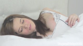 Pregnant, Naked and Masturbating in Bed!