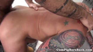 Hunk couple in barebacking affair