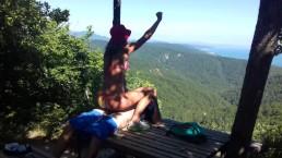 O sexo amador mais surpreendente a uma altitude de 800 metros