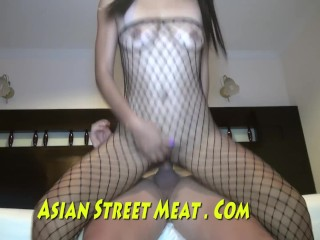 Big Mouth Asian Strumpet For Peanuts