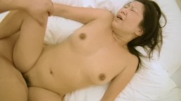 Japanese MILF with nice tits squeezes creampie out of her pussy