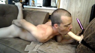 Sexy learns sucking dick dp from both ends