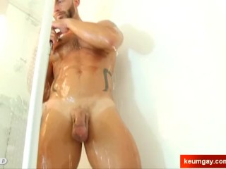 Aymar's huge cock massage ! (handome guy for a gay guy)