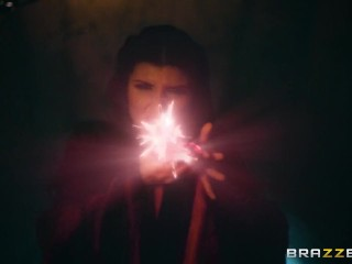 Queen Of Thrones: Part 3 (A XXX Parody) – Brazzers