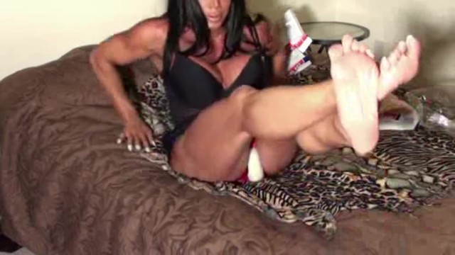 Download Gratis Video Nikita Crushing Thighs of Steel Will Make You Beg For More Squeezing