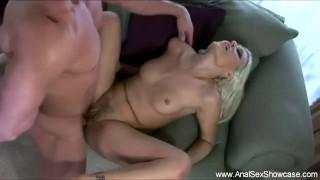 Casalinga MILF ama il sesso anale profondo visto qui