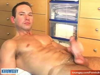 Marco's cock massage ! (straight guy seduced for gay porn)