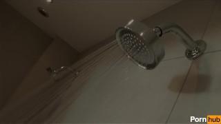Bathing beauties - Scene 3