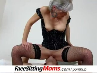 Hot legs mature woman Beate and her submissive facesitting buddy