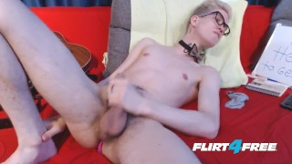 Euro Twink Sonnie Crow Tastes His Sweet Cum porno