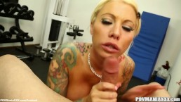 Lolly Ink Gives a Blowjob During a Gym Workout