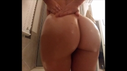 BIG ASS AMATEUR TWERKS ON BIG COCK, SLOPPY BLOWJOB, COWGIRL, AND DOGGY POV