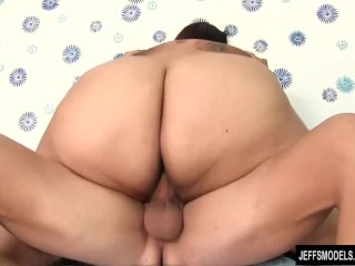Super fatty Lorelai Givemore is buttfucked