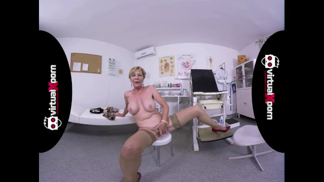 My virtual masturbation Naughty blonde granny who waits for her doctor