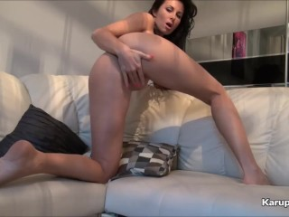 Lady Love Hot Finger Pussy On Cam