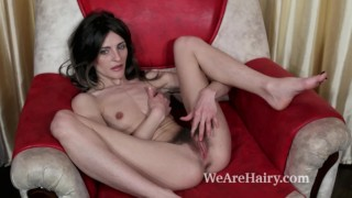 Olivia Arden fingers her pussy while masturbating