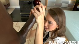 Jules Jordan - Teen Riley Reid Takes On Biggest BBC In The World Mandingo