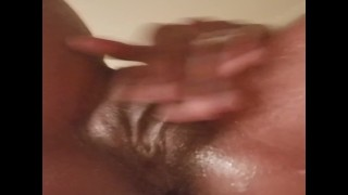 Pussy creamy masturbation in room mates shower