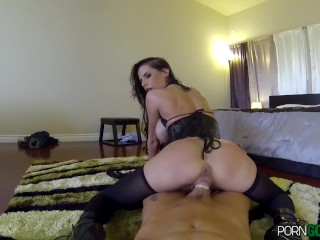 Brandy Aniston loves huge cocks and that`s what she gets