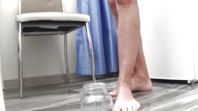 Camilla Moon - pissing on the floor 5